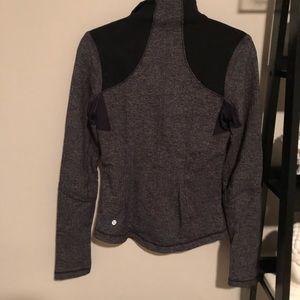 Lululemon size 6 Define jacket